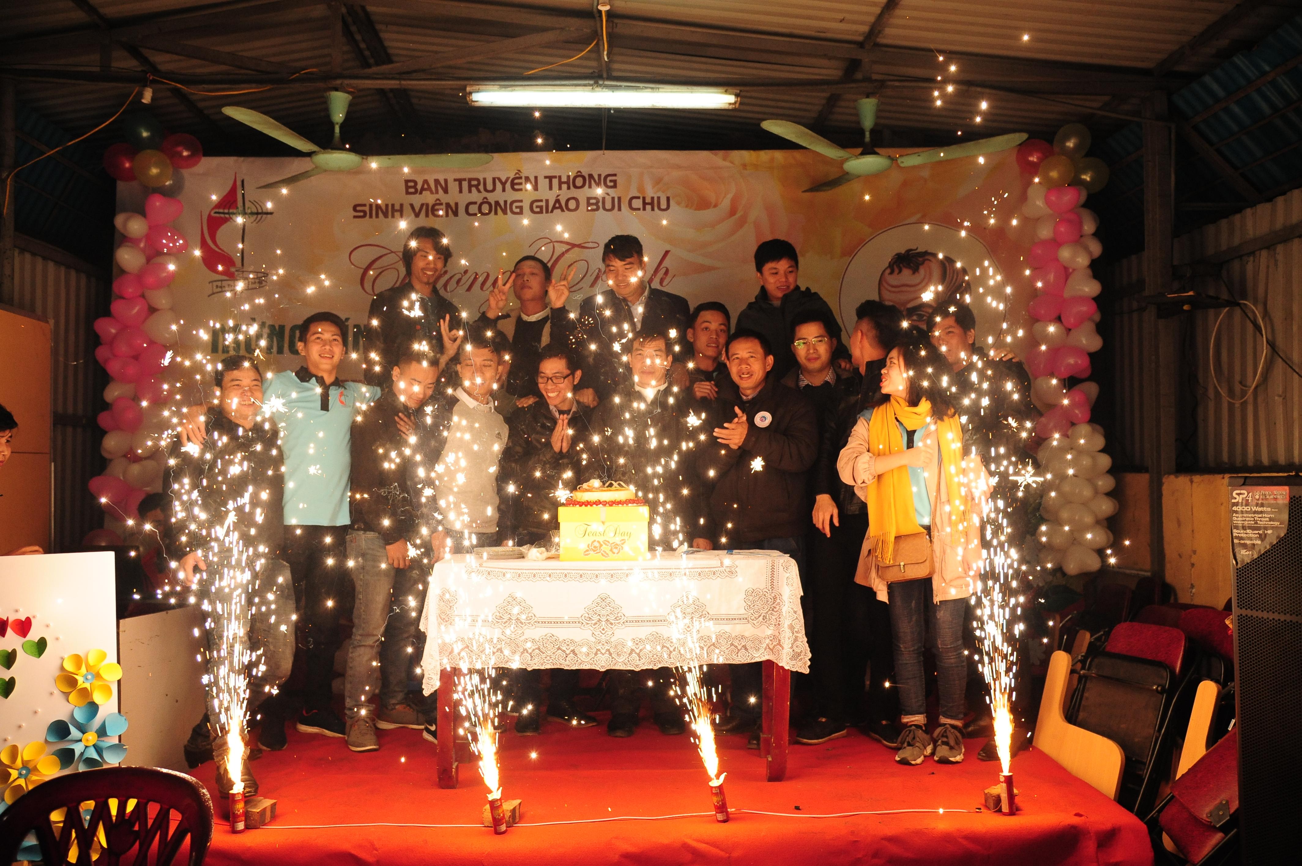 Lễ sinh nhật và mừng kính thánh quan thầy Phaolo trở lại của Ban truyền thông sinh viên công giáo Bùi Chu