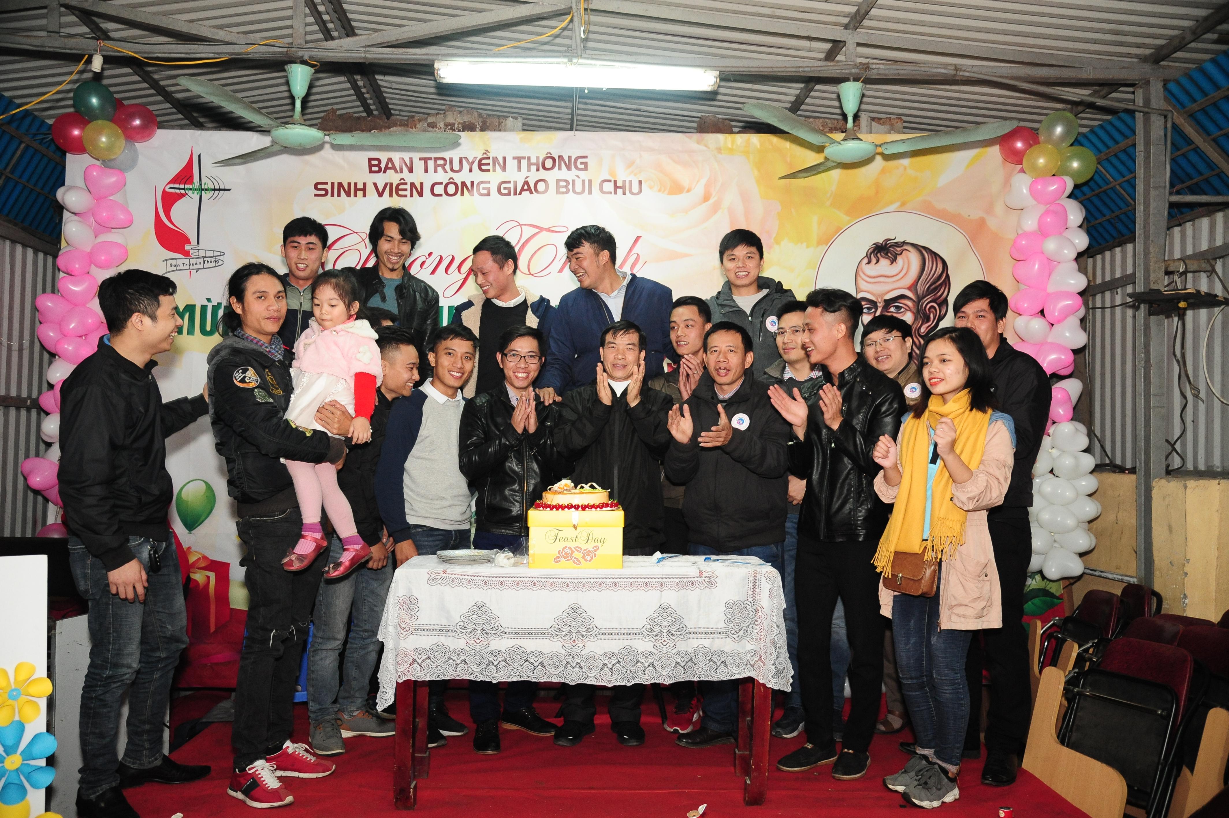 TTSVCGBC mừng sinh nhật lần thứ 09